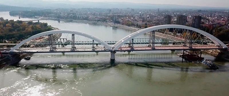 Imagen Serbia recupera con cifras de récord su puente Zezelj perdido en la guerra